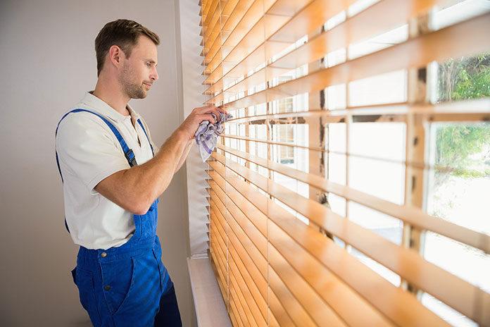 Jak dbać o rolety materiałowe?
