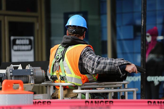 Wypożyczanie maszyn budowlanych