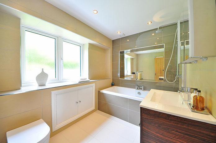 Lustro łazienkowe - eleganckie i wygodneLustro łazienkowe - eleganckie i wygodne