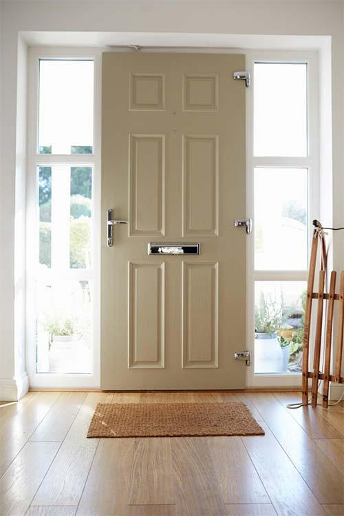 Wybieramy termoizolacyjne drzwi wejściowe do domu