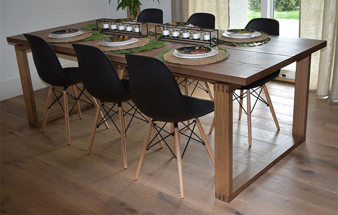 Jak pielęgnować stoły drewniane? Praktyczne porady