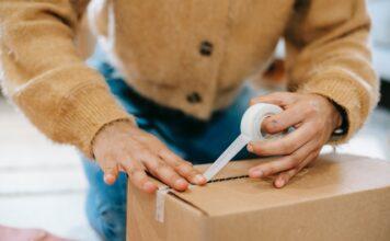Taśmy pakowe do przesyłek kartonowych